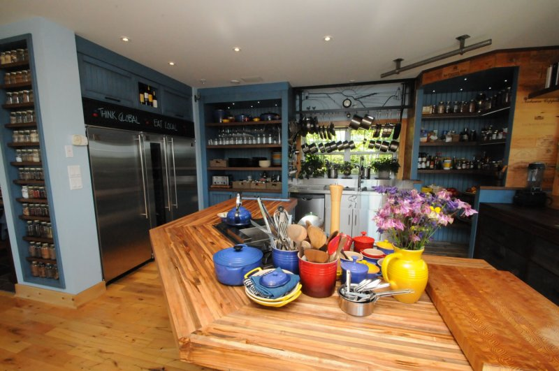 A Guided Tour. Home; /; Photos; /; My New Kitchen